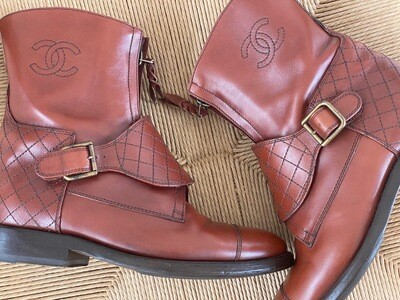 CHANEL CC LOGO BROWN HARNESS LEATHER BOOTS 38