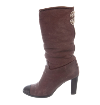 CHANEL CC LOGO BURGUNDY LEATHER / SHEARLING SLOUCH BOOTS 38.5