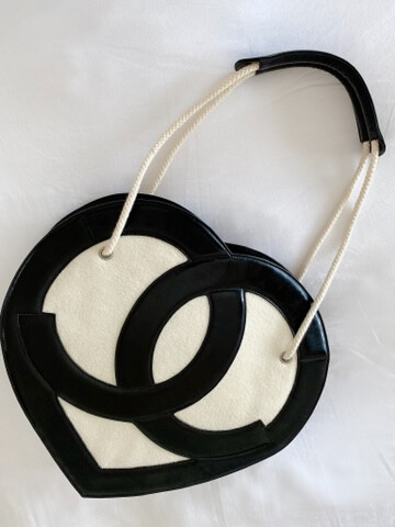 VINTAGE CHANEL CC TERRYCLOTH / LEATHER XLARGE HEART TOTE