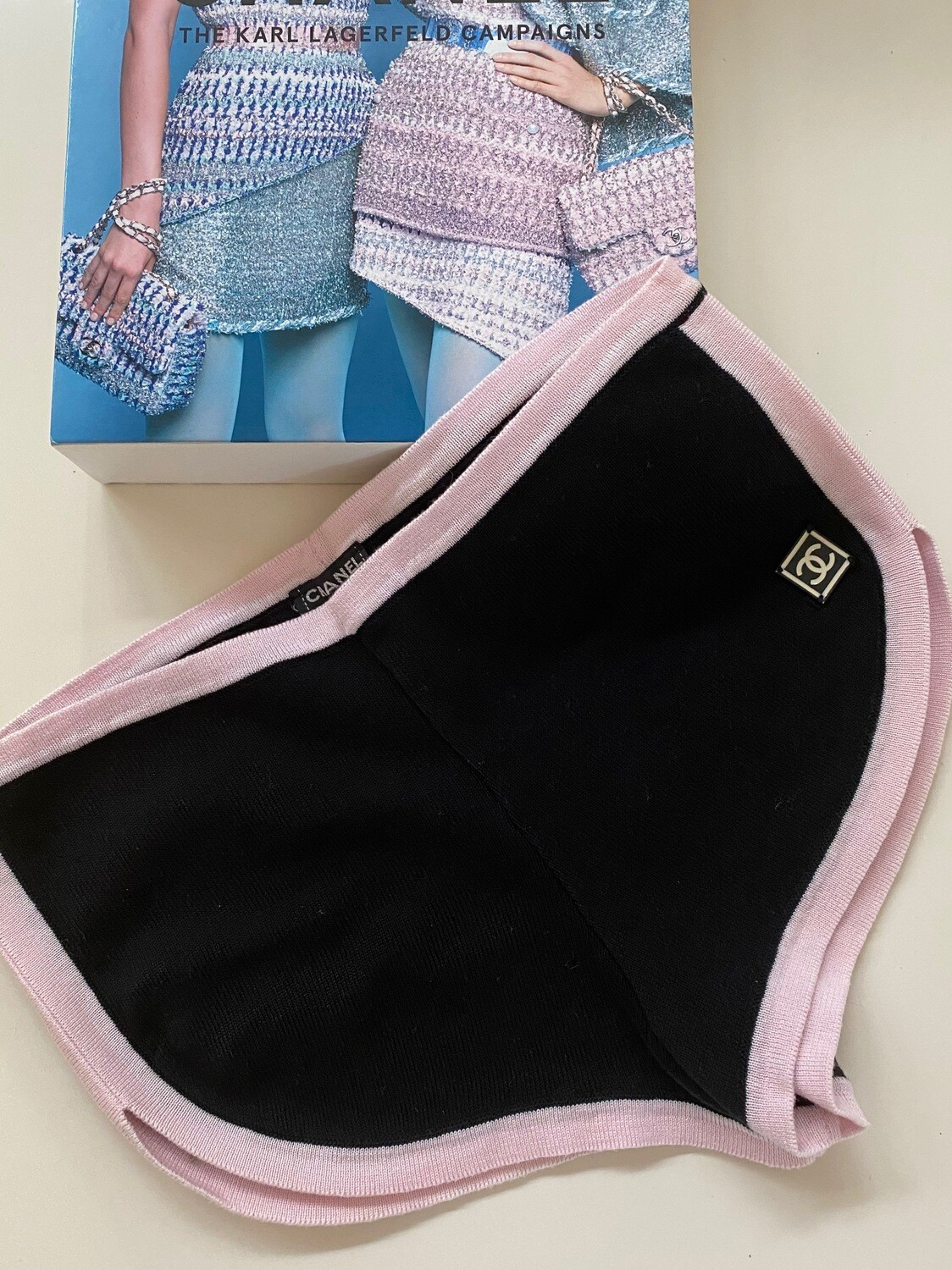 CHANEL CC LOGO KNIT PINK BLACK SHORTS 03P COLLECTION 38