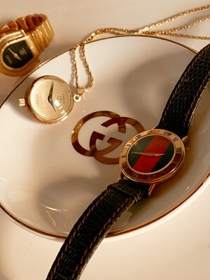VINTAGE GUCCI WATCH PENDANT NECKLACE WITH RED BLUE ENAMEL STRIPE