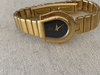 VINTAGE GUCCI HORSESHOE GOLD LINK LADIES WATCH