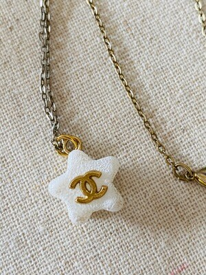 CHANEL CC WHITE STAR GOLD CHAIN PENDANT NECKLACE