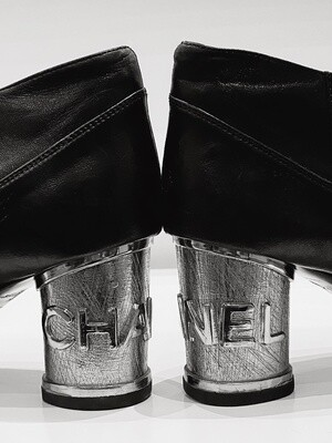 CHANEL LETTER MONOGRAM BLACK LEATHER BOOTIES 38.5
