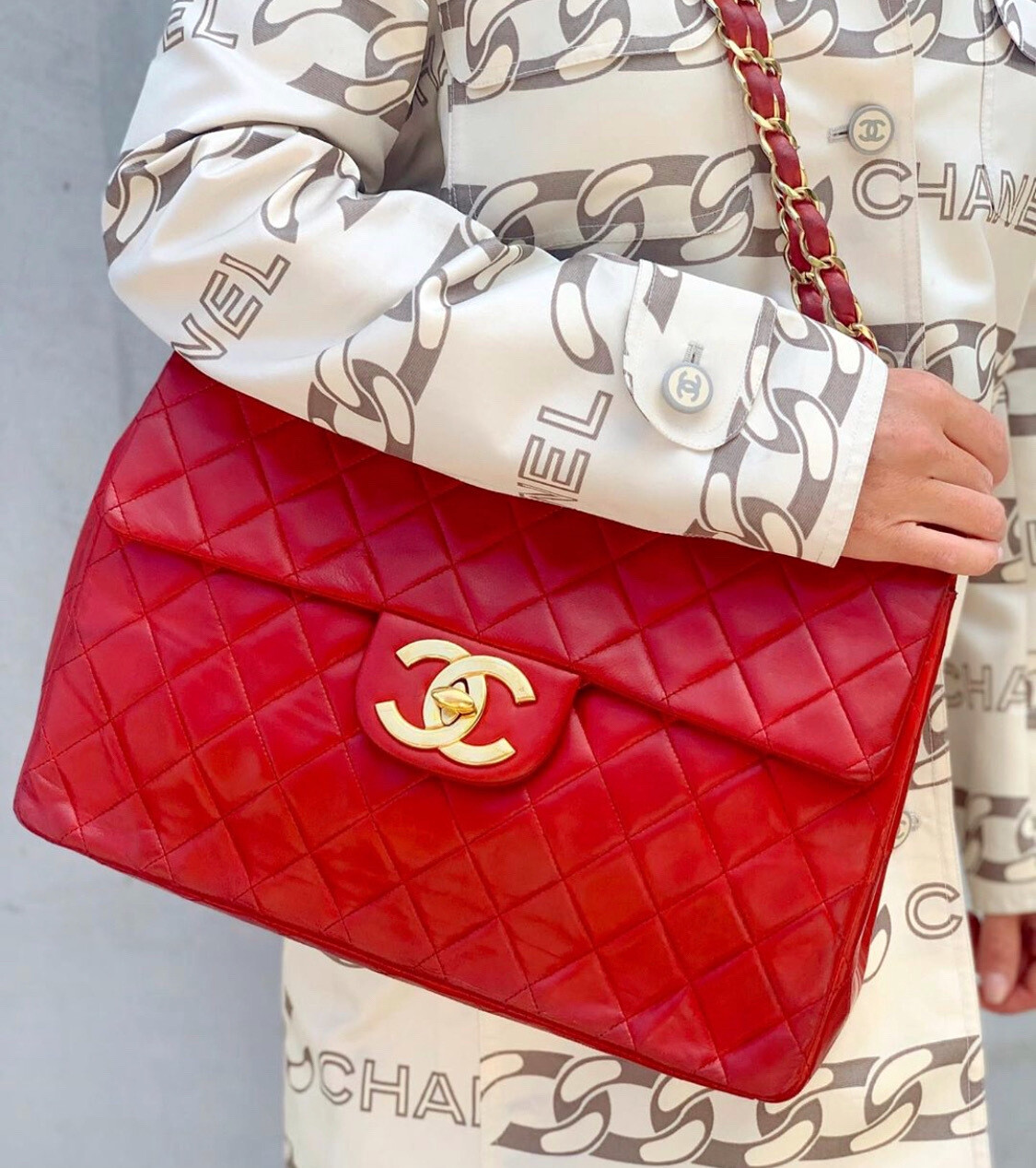 VINTAGE CHANEL CC JUMBO 24K GOLD PLATED RED QUILTED LEATHER FLAP SHOULDER BAG / DOUBLE CHAIN