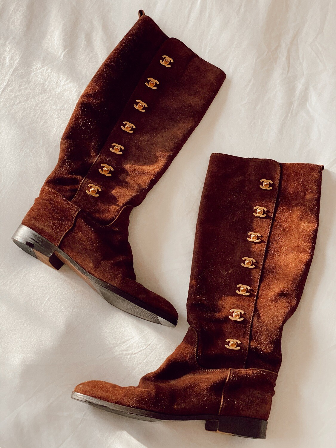 VINTAGE CHANEL CC GOLD TURNLOCK BROWN SUEDE LEATHER RIDING TALL BOOTS 38 / 7 - 7.5