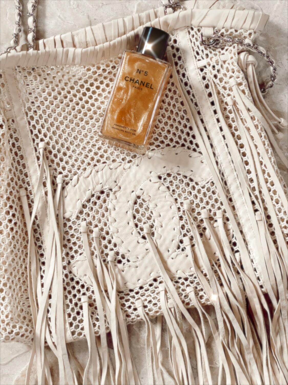 Vintage 90's CHANEL CC Logo Beige Cream Leather Crochet Woven Knit Shoulder Tote Handbag Purse Bag
