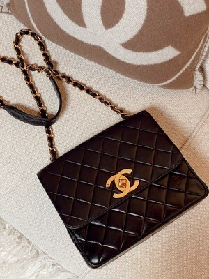 CHANEL CC JUMBO BLACK LEATHER SQUARE BAG WITH 24k GOLD PLATED HARDWARE