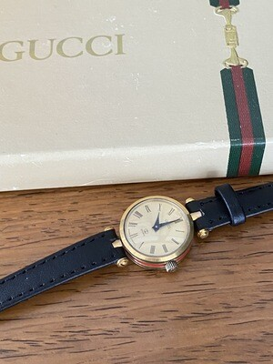 GUCCI VINTAGE GG LOGO GOLD & RED GREEN ENAMEL LEATHER LADIES WATCH