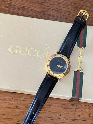 GUCCI VINTAGE GG ROMAN NUMERAL GOLD / BLACK FACE LIZARD BAND LADIES WATCH 3000L