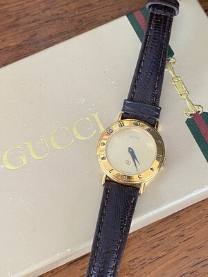 GUCCI VINTAGE GG ROMAN NUMERAL GOLD FACE LIZARD BAND LADIES WATCH