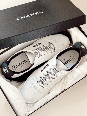 CHANEL CC LETTER LOGO LACE UP SNEAKERS TRAINERS WHITE / BLACK IT 38.5 / 7.5 - 8
