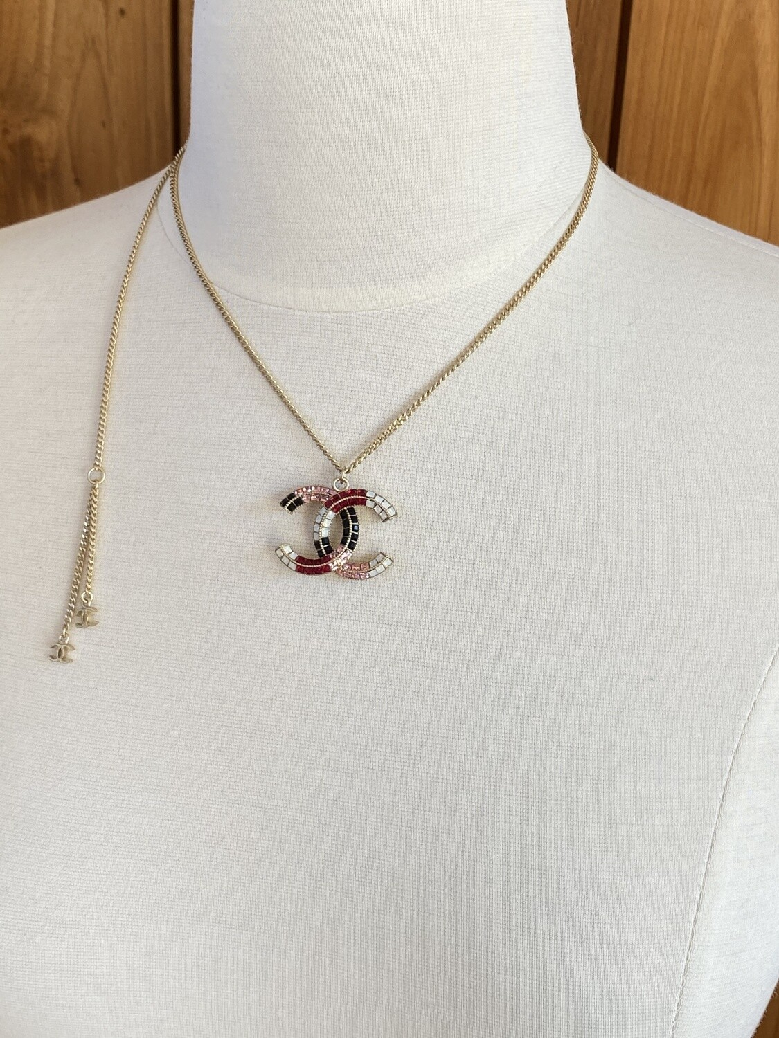 CHANEL CC LOGO CRYSTAL CHARM PENDANT NECKLACE RED / GOLD