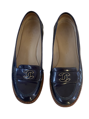 CHANEL CC LOGO LOAFERS NAVY PATENT LEATHER 39.5 / 8.5 - 9