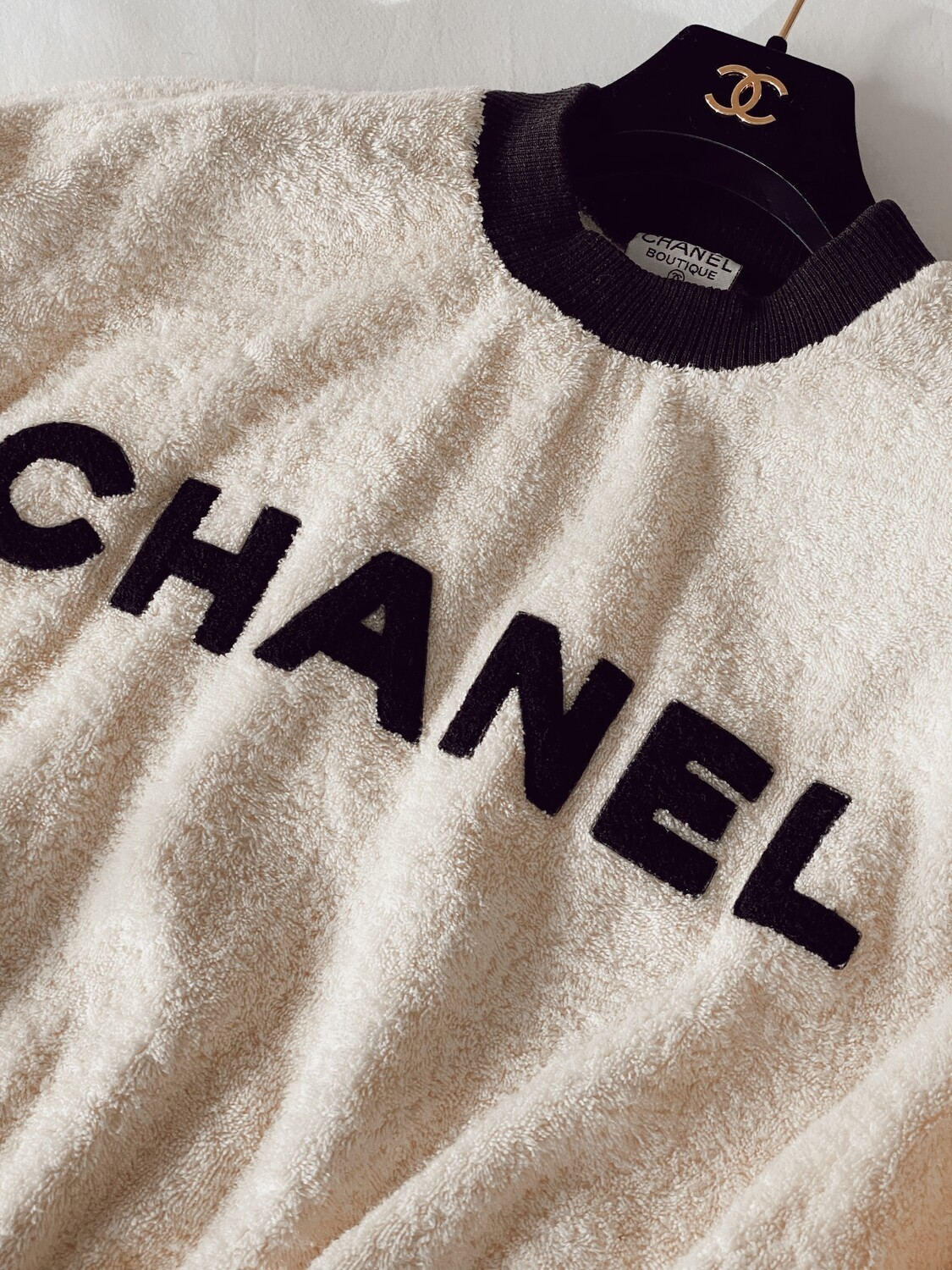 CHANEL 90'S LETTER MONOGRAM LOGO IVORY / BLACK TERRY CLOTH TOP SWEATER - VINTAGE