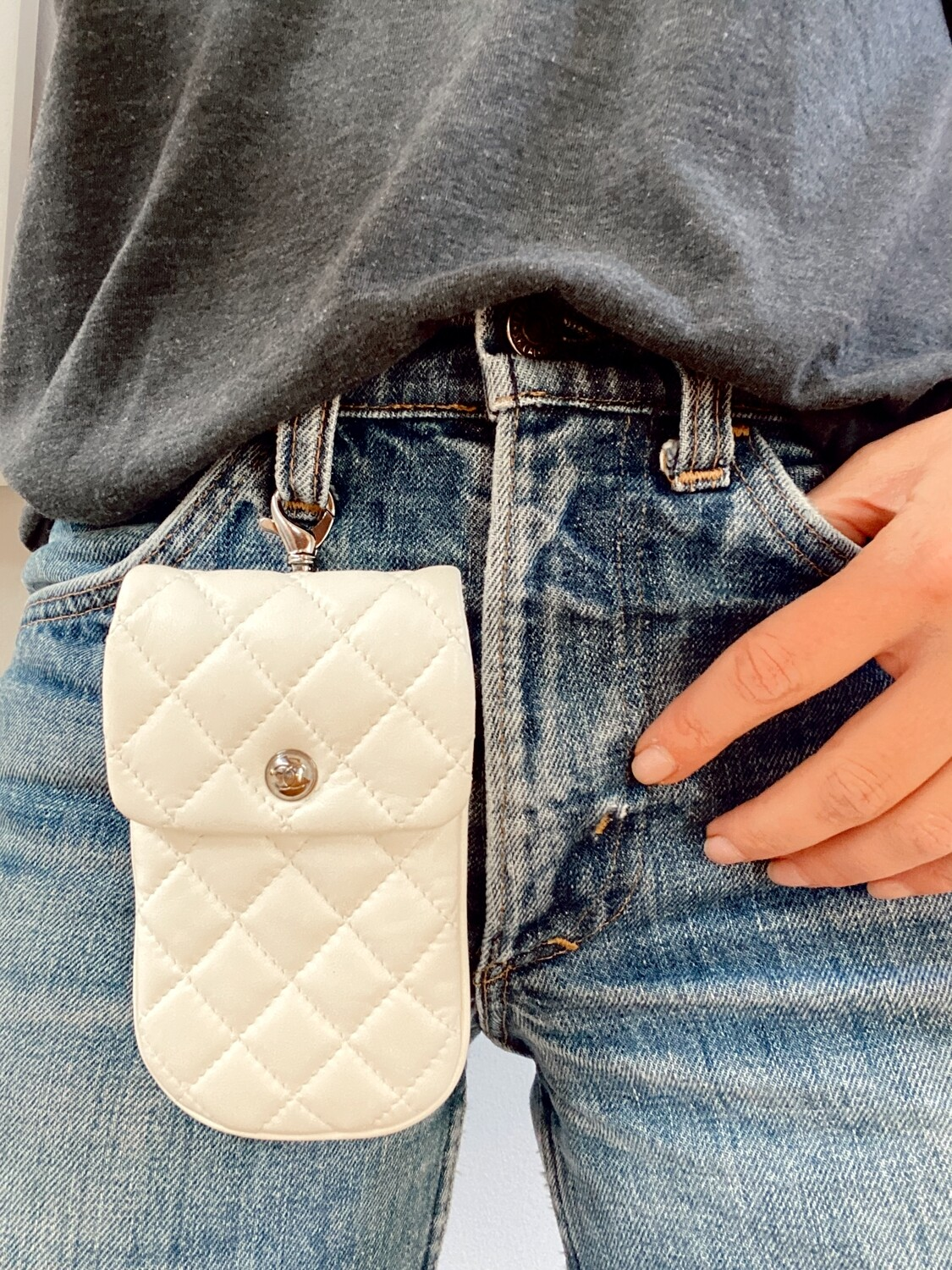 CHANEL CC LOGO OFF WHITE QUILTED LEATHER FLAP MINI BAG POUCH
