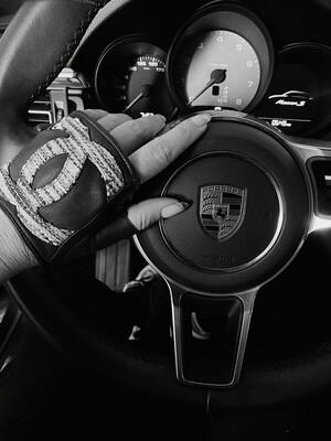 CHANEL CC LOGO TWEED & LAMBSKIN LEATHER FINGERLESS DRIVING GLOVES