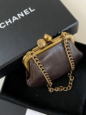 CHANEL VINTAGE CC KISSLOCK MINI LEATHER BAG WITH BOX AND CARD