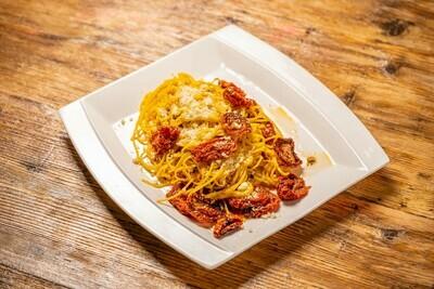 Spaghetti cu roșii uscate Aglio, Olio & Peperoncino