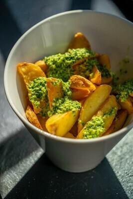 Cartofi Wedges aromați cu usturoi