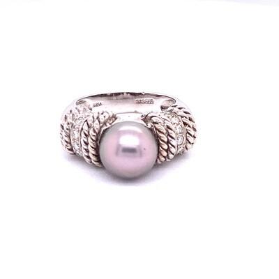 Ladies White Gold Pearl Ring