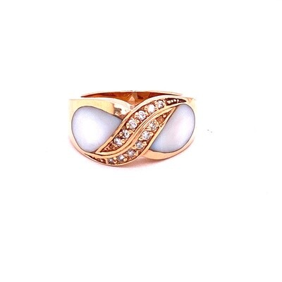 Ladies Rose Gold Mother of Pearl Ring