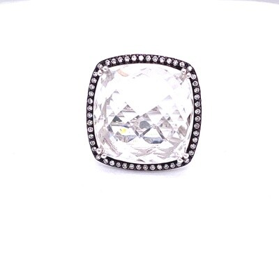 Ladies White Gold Topaz Ring