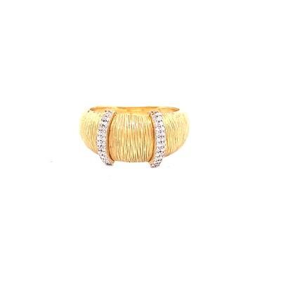 Ladies yellow gold diamond band