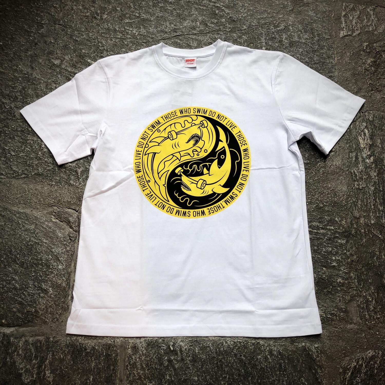 T-shirt Doomsday Yin Shark