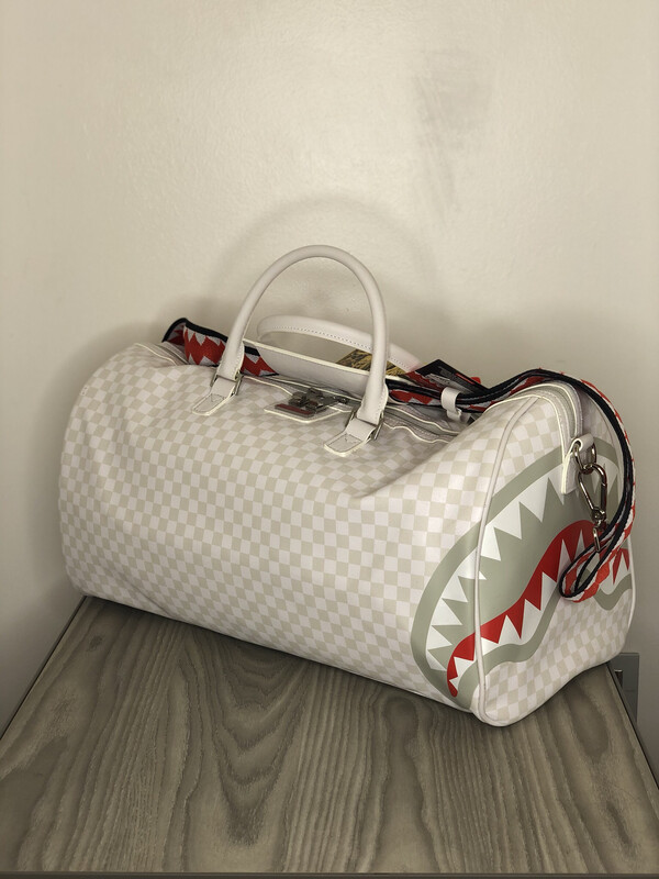 Borsone Sprayground Shark Mean & Clean Duffle