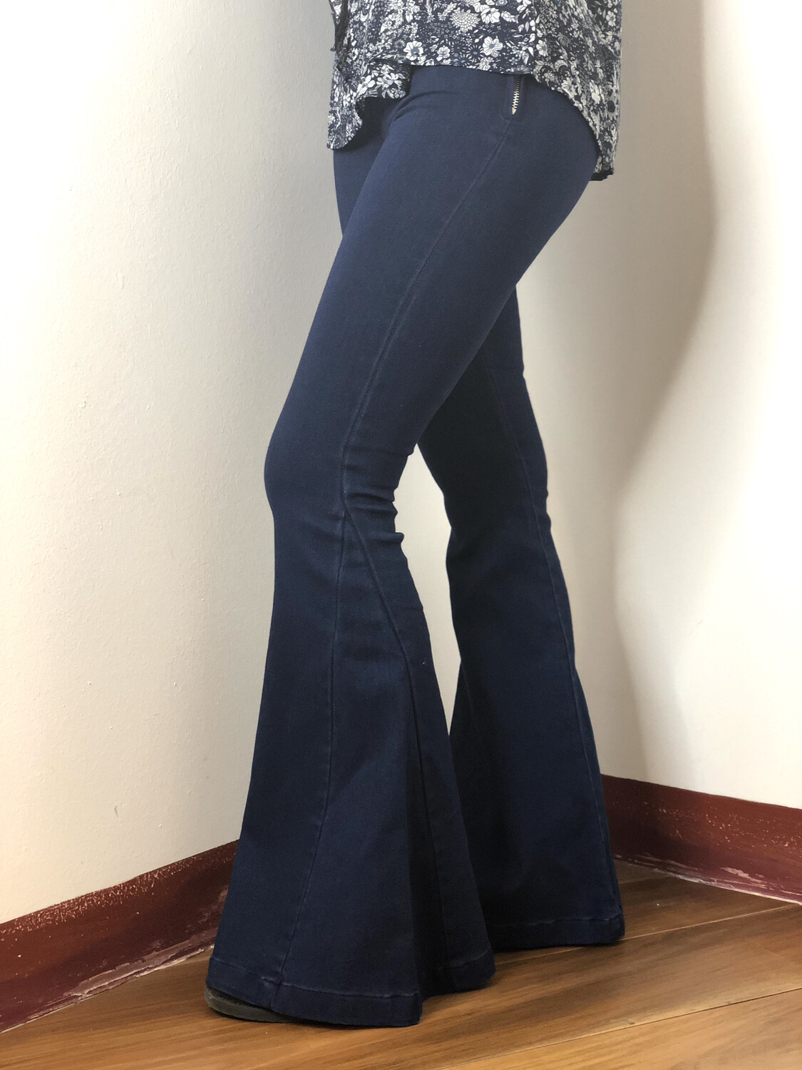 Pantalone in denim a zampa SH