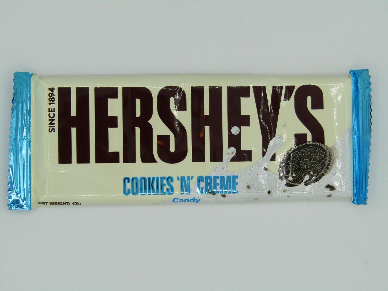 Hershey's Cookies & Creme Bar