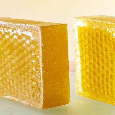 Органическое мыло на медовых сотах с водорослевой солью
