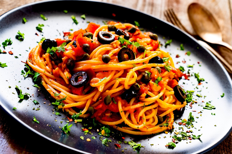 Spaghetti Puttanesca (VEGAN)