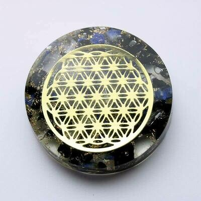 Galet orgonite cristal de roche, lapis lazuli, tourmaline
