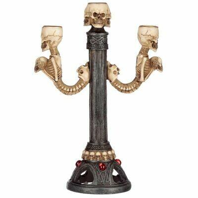 Chandelier squelette à trois crânes