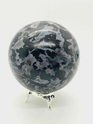Merlinite (Gabro) boule 8,3cm 894gr