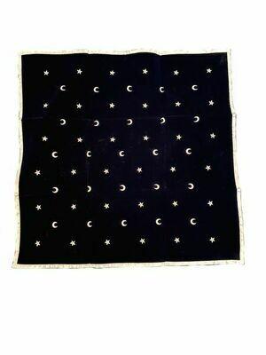Tapis pour tirage de carte étoiles et lunes