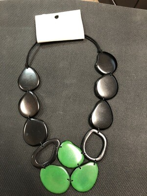 Tagua Necklace black and dark green