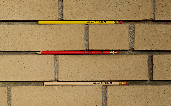 Trois crayons | Three pencils - Joe Jack & John