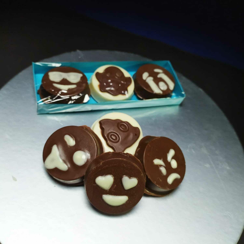 Emojis de Chocolate Rellenos - 3 unidades.