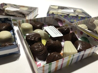 Bombones de Chocolate Rellenos - 14 unidades.