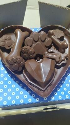 Medio Corazón de Chocolate con Mega Bombones y Rosa - Animales.