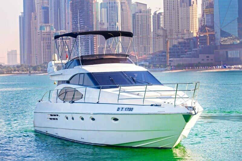 AZIMUT 52 FT 900 AED