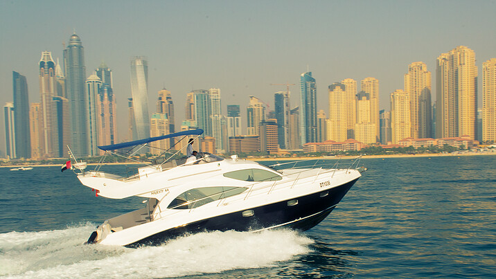 MAJESTY 44 FT 750 AED