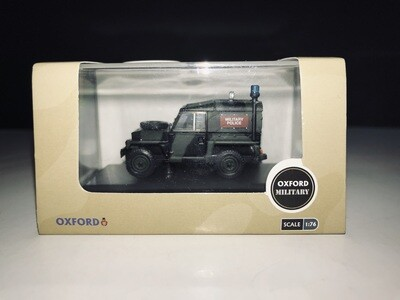 1:76 Oxford Diecast Land Rover Lightweight Military Police