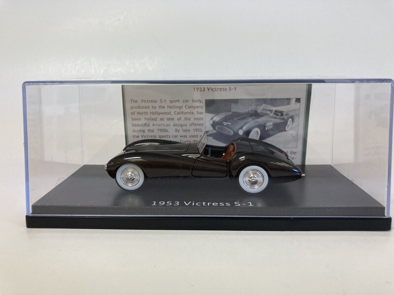 1:43 Esval 1953 Victress S-1 Sport Roadster