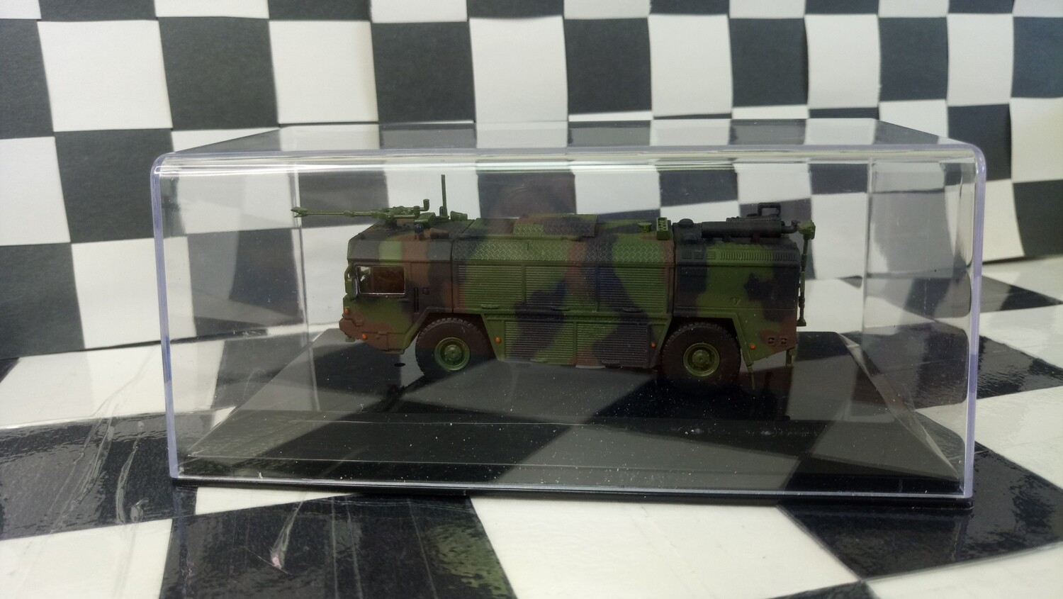 1:87 Asrenal-M  FAUN LF 16.30/45 TroLF 3000I. (Camouflage version)