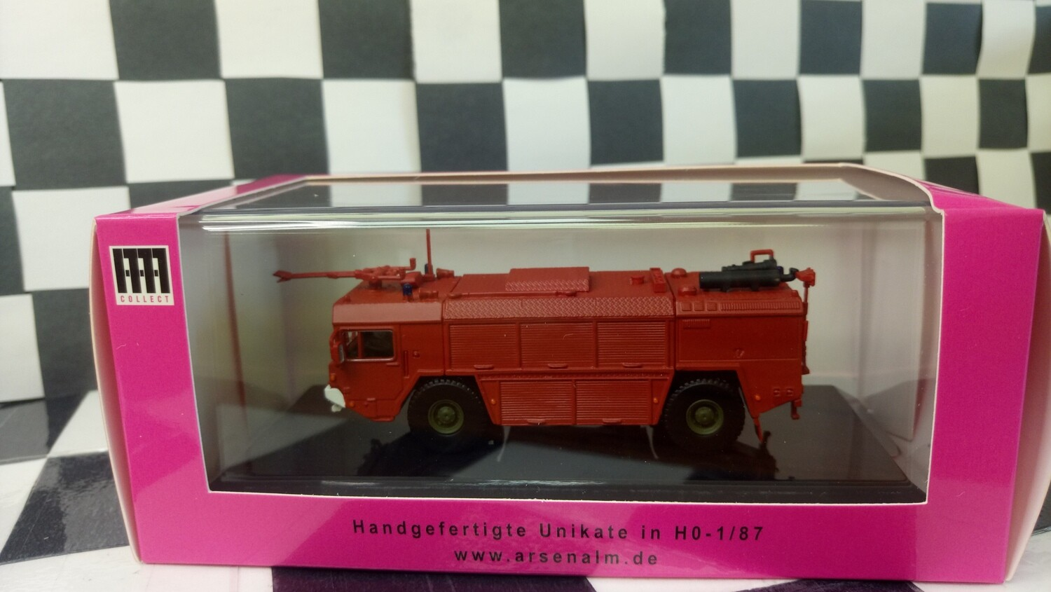 1:87 Arsenal-M FAUN TroLF 3000 (Red version)