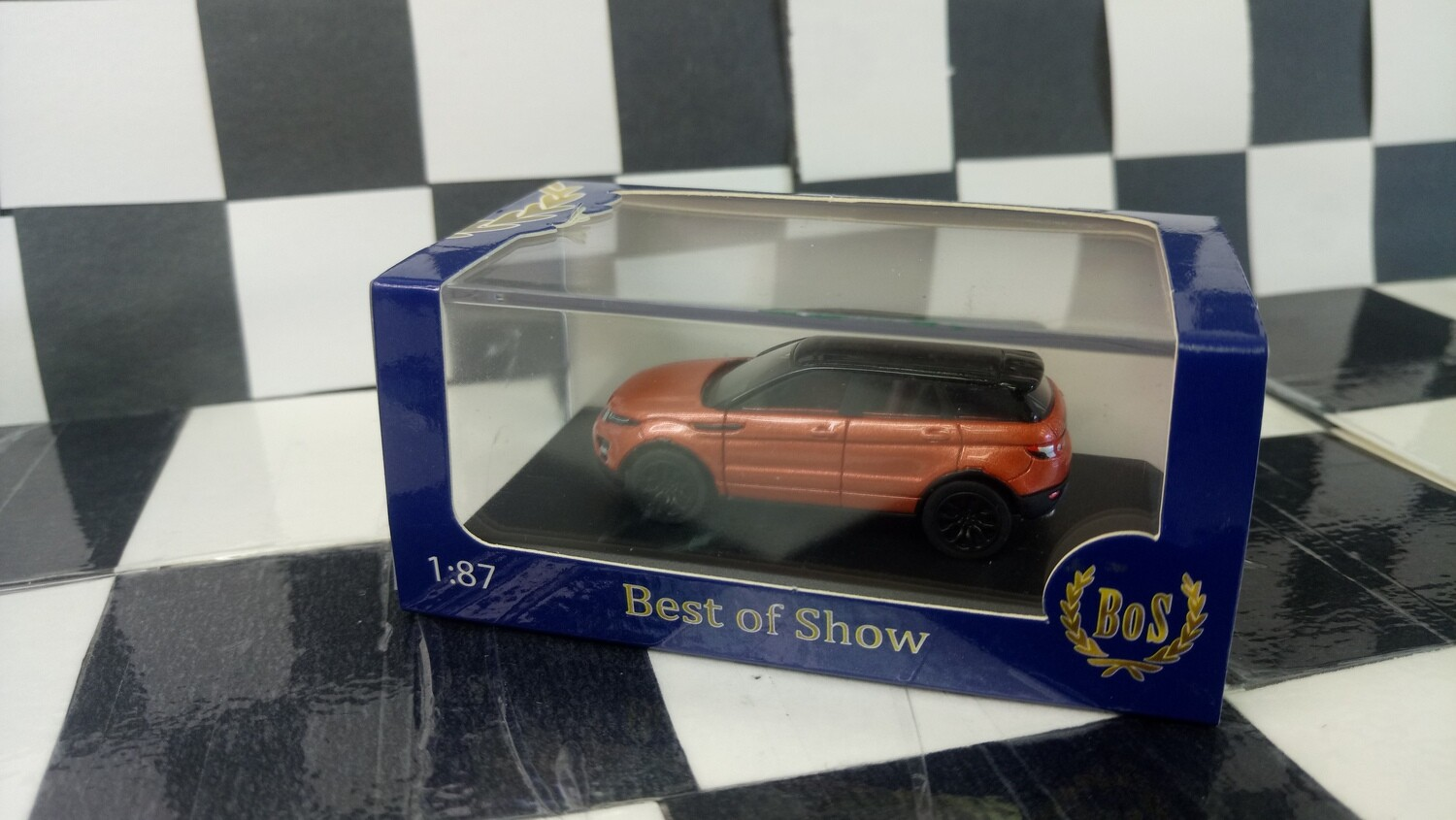 1:87 BoS Range Rover Evoque ​(Metallic Dark Orange/Black​)